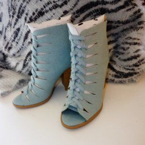 NWT Qupid Denim Open Toe Booties